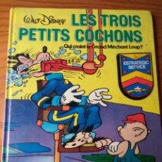 Cómics: LES TROIS PETITS COCHONS - COMIC EN FRANCES- TAPA DURA - WALT DISNEY 1976 HACHETTE -. Lote 153853478