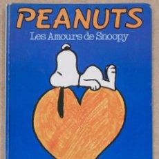 Cómics: PEANUTS. LES AMOURS DE SNOOPY. SCHULZ. HACHETTE. 1974. EN FRANCES.. Lote 254162325