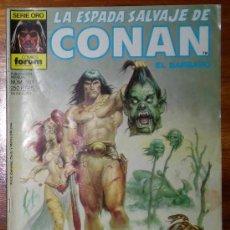Cómics: LA ESPADA SALVAJE DE CONAN EL BARBARO. EL DIOS RESBALADIZO. SERIE ORO NUM. 101.FORUM 1988. Lote 26010593