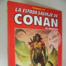 Cómics: LA ESPADA SALVAJE DE CONAN EL BARBARO TOMO ROJO 19 EDICION COLECCIONISTAS COMO NUEVO ,REF COMIC C1. Lote 33327697