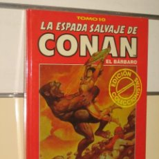 Cómics: LA ESPADA SALVAJE DE CONAN TOMO ROJO Nº 10 FORUM OFERTA. Lote 218148861