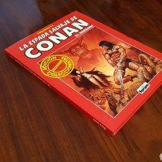 Cómics: CONAN TOMO 11 EXCELENTE ESTADO SERIE ROJA FORUM. Lote 85802211