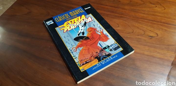 CLASICOS MARVEL EXCELENTE ESTADO BLANCO Y NEGRO ORIGEN ESTELA PLATEADA 2 FORUM STAN LEE JOHN BUSCEMA (Tebeos y Comics - Forum - Silver Surfer)