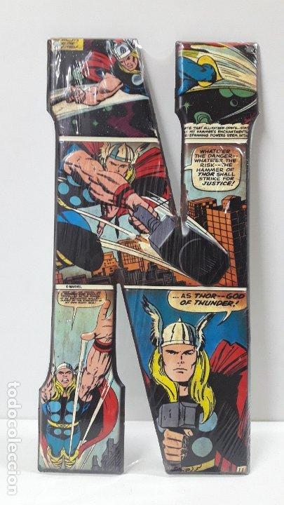 CHAPA METALICA LETRA N CON ESCENAS COMIC DE THOR - MARVEL . PARA SUJECION EN PARED (Tebeos y Comics - Forum - Thor)
