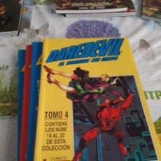 Fumetti: DAREDEVIL EL HOMBRE SIN MIEDO COMPLETA 22 COMICS EN 4 RETAPADOS VOLUMEN 2 Y 3. Lote 209286160
