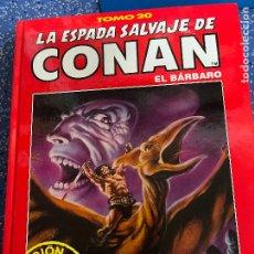 Cómics: FORUM ESPADA SALVAJE DE CONAN SERIE ROJA TOMO 20 MUY BUEN ESTADO. Lote 278407218