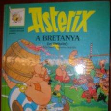 Cómics: ASTERIX A BRETANYA EN CATALAN E INGLES. Lote 30520402
