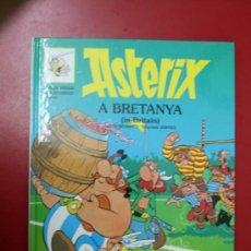 Cómics: UNA AVENTURA DE ASTERIX, EN CATALÁN E INGLES: ASTERIX A BRETANYA, GRIJALBO- DARGAUD 1996. Lote 32780720