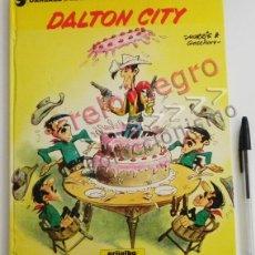 Cómics: DALTON CITY - CÓMIC AVENTURA DE LUCKY LUKE - ED GRIJALBO AÑOS 80 - TAPA DURA COLOR - HUMOR DEL OESTE. Lote 54513534
