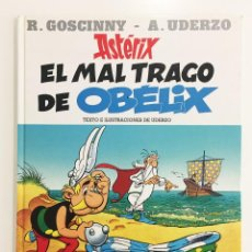 Cómics: EL MAL TRAGO DE OBELIX (UDERZO) - TAPA DURA. Lote 95886143