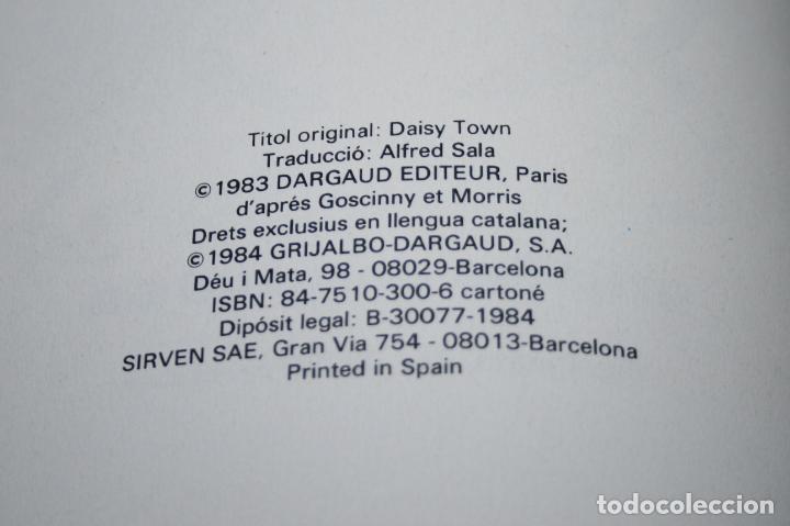Cómics: LUCKY LUKE - DAISY TOWN - MORRIS/GOSCINNY - GRIJALBO/DARGAUD - 1984 - EN CATALÁN - Foto 5 - 102027567