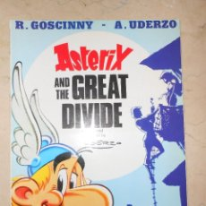 Cómics: ASTERIX AND THE GREAT DIVIDE. TAPA BLANDA. Lote 117012055