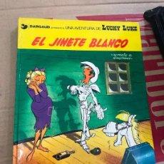 Cómics: LUCKY LUKE EL JINETE BLANCO GIJALBO DARGAUD - EN MUY BUEN ESTADO. Lote 118901275