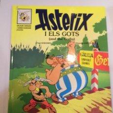 Cómics: ASTERIX CATALAN / INGLES - ASTERIX I ELS GOTS -CARTONÉ - 1996. Lote 119374155