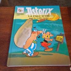 Cómics: ASTÈRIX LA FALÇ D'OR CATALÁN E INGLÉS, 1984,TAPA DURA. Lote 129407820