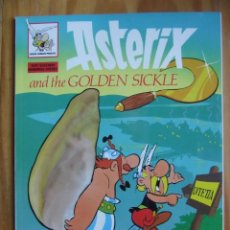 Cómics: ASTERIX AND THE GOLDEN SICKLE - EDICIONES DEL PRADO - TAPA BLANDA. Lote 130665533