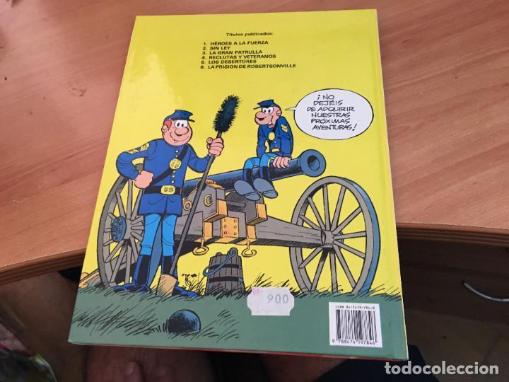 Cómics: CASACAS AZULES LOTE COLECCION COMPLETA TAPA DURA A FALTA DEL Nº 3 (COIM10) - Foto 4 - 132899810