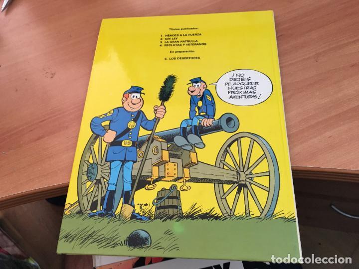Cómics: CASACAS AZULES LOTE COLECCION COMPLETA TAPA DURA A FALTA DEL Nº 3 (COIM10) - Foto 6 - 132899810