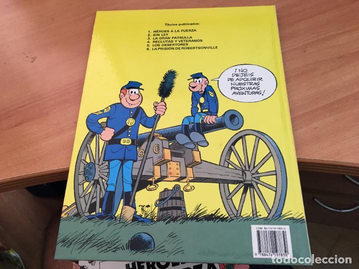 Cómics: CASACAS AZULES LOTE COLECCION COMPLETA TAPA DURA A FALTA DEL Nº 3 (COIM10) - Foto 8 - 132899810
