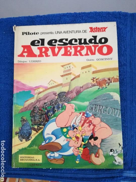 COMIC ASTERIX Y EL ESCUDO AVERNO DE EDITORIAL BRUGUERA. (Tebeos y Comics - Grijalbo - Asterix)