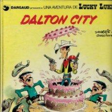 Cómics: MORRIS - LUCKY LUKE - DALTON CITY - GRIJALBO DARGAUD 1989 - EDICIO EN CATALA - TAPA DURA. Lote 135255510