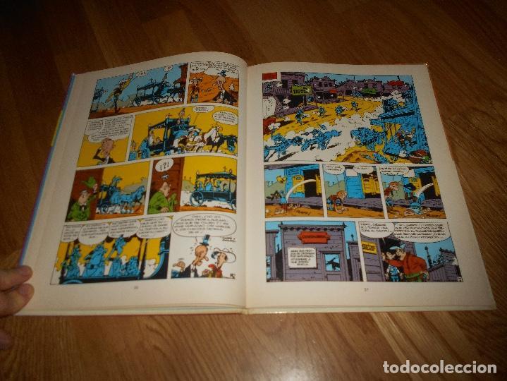 Cómics: LUCKY LUKE LAS COLINAS NEGRAS + REGALO EL HILO QUE CANTA LOS DOS 1º EDICION - Foto 5 - 141580802