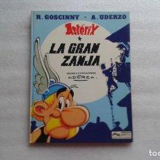 Cómics: ASTERIX Y OBELIX - LA GRAN ZANJA TAPA DURA 1980. Lote 142402218