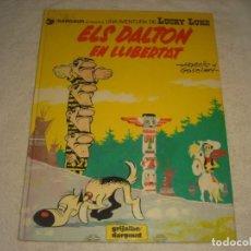 Cómics: LUCKY LUKE Nº 21 , ELS DALTON EN LLIBERTAT . EN CATALAN.. Lote 146659734