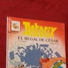 Cómics: ASTERIX 21 - EL REGAL DE CESAR - GOSCINNY & UDERZO - CARTONE - EN CATALAN. Lote 157915110