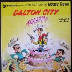 Comics : UNA AVENTURA DE LUCKY LUKE - DALTON CITY - TAPA DURA - GRIJALBO-DARGAUD - 1985. Lote 174985118