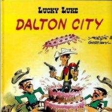 Cómics: LUCKY LUKE, DE MORRIS - DALTON CITY - SALVAT 2001 - COMO NUEVO. Lote 176094425