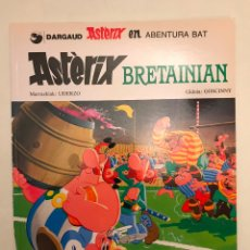 Comics: ASTERIX IDIOMAS Nº 3 BRETAINIAN. EN BRETAÑA. EUSKERA VASCO. ELKAR. TAPA BLANDA. Lote 177657275