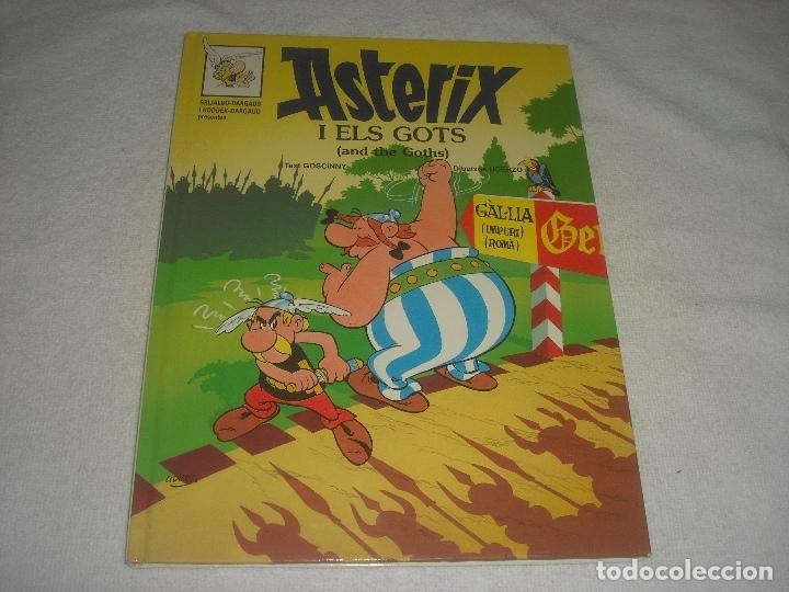 ASTERIX I ELS GOTS 1996. EN CATALAN E INGLES. (Tebeos y Comics - Grijalbo - Asterix)