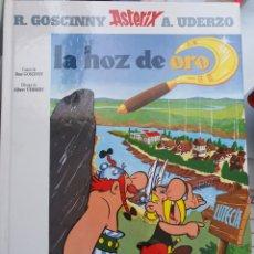 Cómics: ASTERIX Y LA HOZ DE ORO. TAPA DURA. EDICIÓN 2000.. Lote 186257345