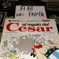 Cómics: ASTERIX EL REGALO DEL CESAR VER FOTOS ESTADO NECESITA REPARACIÓN. Lote 193972966