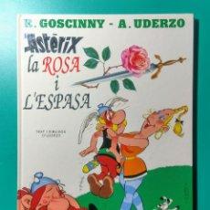 Cómics: ASTÉRIX. LA ROSA I L' ESPASA. EN CATALÁN.. Lote 194243571