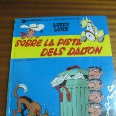 Fumetti: UNA AVENTURA DE LUCKY LUKE.-.SOBRE LA PISTA DELS DALTON. GRIJALBO/DARGAUD, 1987. EN CATALA. Lote 195506796