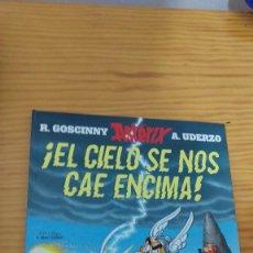 Cómics: ASTERIX, EL CIELO SE NOS CAE ENZIMA. Lote 202759590