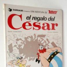 Cómics: EL REGALO DEL CESAR UNA AVENTURA DE ASTERIX. Lote 203455108