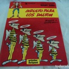 Cómics: TEBEO ANTIGUO LUCKY LUKE INDULTO PARA LOS DALTON GRIJALBO AÑO 1980 TAPAS DURAS. Lote 205852027