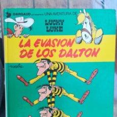 Cómics: LUCKY LUKE. LA EVASIÓN DE LOS DALTON. GRIJALBO. TAPA DURA. Lote 212395790