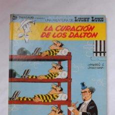 Cómics: LUCKY LUKE - LA CURACION DE LOS DALTON - GRIJALBO / JUNIOR - TAPA DURA - 1978. Lote 214091423