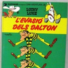 Cómics: UNA AVENTURA DE LUCKY LUKE - L'EVASIO DELS DALTON - Nº 16 - GRIJALBO/DARGAUD -COMIC EN CATALAN. Lote 217428673