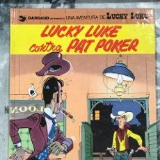 Cómics: LUCKY LUKE CONTRA PAT POKER , Nº53 EN CATALAN, DE GRIJALBO, IMPECABLE, TAPA DURA 1994. Lote 217430037