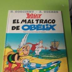 Cómics: CÓMIC ASTERIX EL MALTRAGO DE OBELIX. Lote 221603677