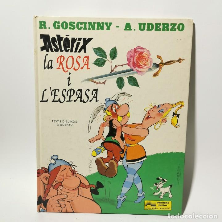 COMIC - ASTERIX - LA ROSA I L'ESPASA - UDERZO - GRIJALBO / 3388 (Tebeos y Comics - Grijalbo - Asterix)