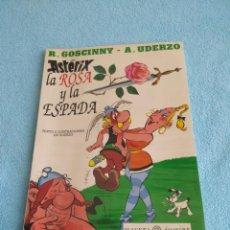 Cómics: ASTERIX LA ROSA Y LA ESPADA PLANETA JUNIOR EN PLASTICO ORIGINAL GOSCINNY UDERZO TAPA BLANDA. Lote 227884048
