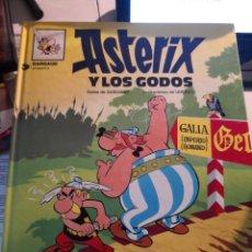 Cómics: COMIC ASTERIX Y LOS GODOA GOSCINNY Y UDERZO GRIJALBO DARGAUD. Lote 228338300