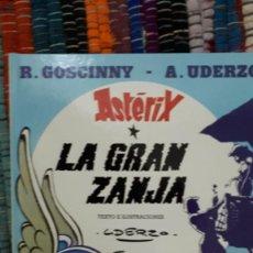 Cómics: ASTERIX Y LA GRAN ZANJA. Lote 228507733