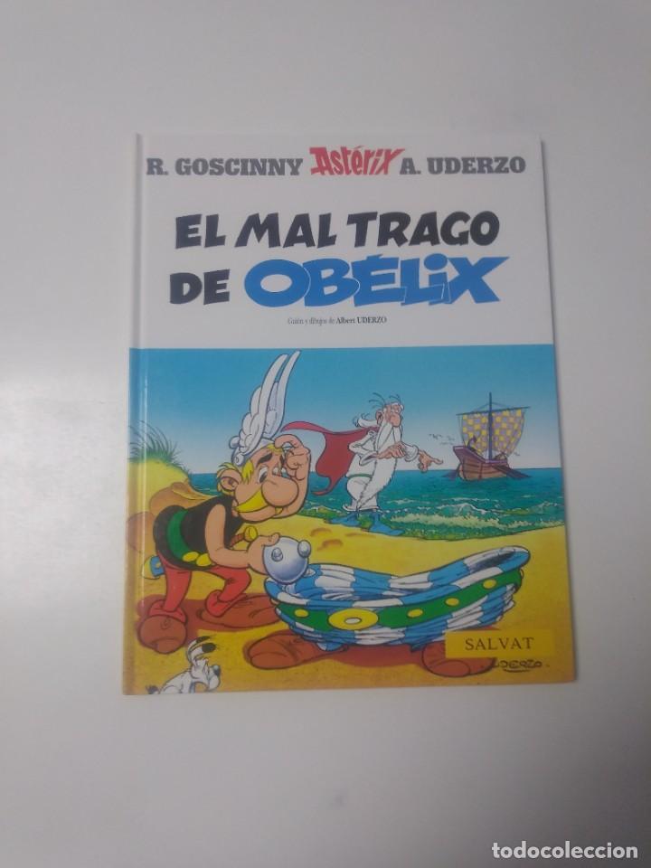 ASTÉRIX EL MAL TRAGO DE OBÉLIX NÚMERO 30 EDITORIAL SALVAT 2001 (Tebeos y Comics - Grijalbo - Asterix)